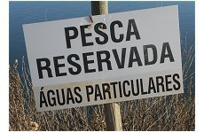 Águas privadas - proibido pescar