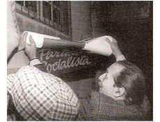 Tito de Morais - Colagem de cartazes